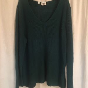 Gorgeous emerald green knot sweater